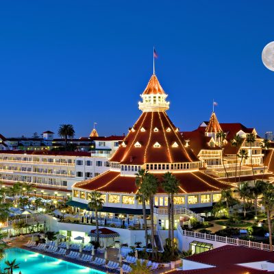 Celebrate Christmas and the New Year at the Hotel del Coronado